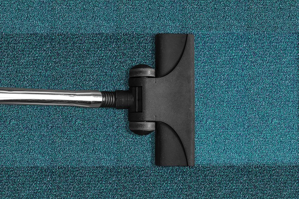 """Affidare le pulizie a un'impresa seria, e non a una persona """"in nero"""", conviene!"""